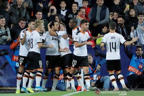 Valencia dikritik suporter  karena jual Coquelin dan Parejo