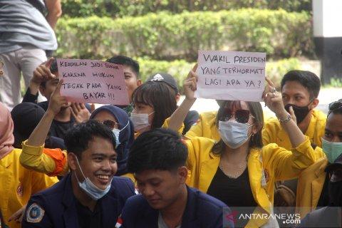 Aksi Mimbar Bebas Mahasiswa Di Banjarmasin