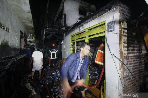 Kebakaran rumah di pemukiman padat penduduk