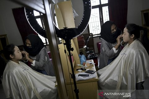 Kelas rias pengantin saat pandemi