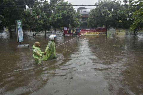 Genangan air di Rawalumbu akibat drainase buruk