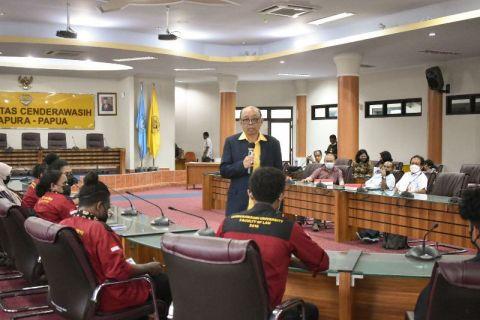 Rektor UP berikan kuliah umum di Universitas Cendrawasih