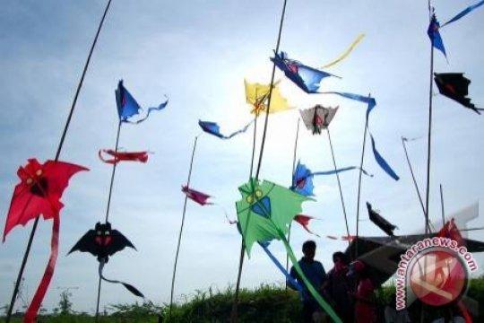 KPU-Bawaslu sosialisasi Pilkada 2020 dengan festival layang-layang? Cek faktanya