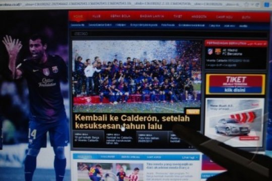 WEBSITE BARCELONA BERBAHASA INDONESIA Page 1 Small