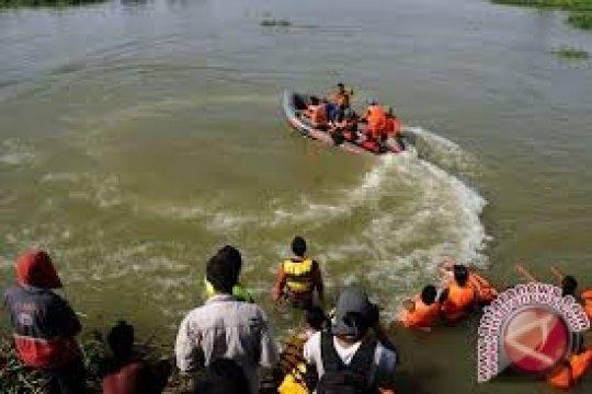 Tim Gabungan Temukan Wisatawan Tenggelam Pantai Siangau