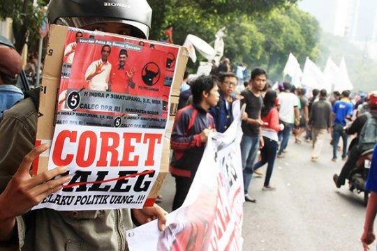 ICW-GPB :Ketegasan KPU-Bawaslu Kunci Pemilu Bersih 2014