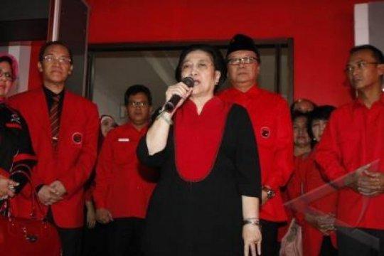 Megawati Mencoblos di TPS Kebagusan