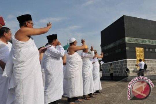 450 CJH Babel Berangkat Menuju Embarkasi Palembang