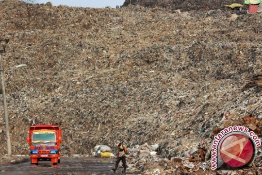 Dinas Kebersihan Jakarta Berduel Dengan Sampah Bantargebang