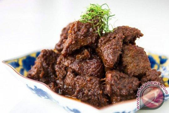 Masakan Padang Andalan Indonesia di Festival Laos