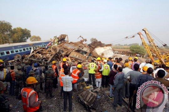 142 Penumpang Meninggal Dalam Kecelakaan Kereta Api di India