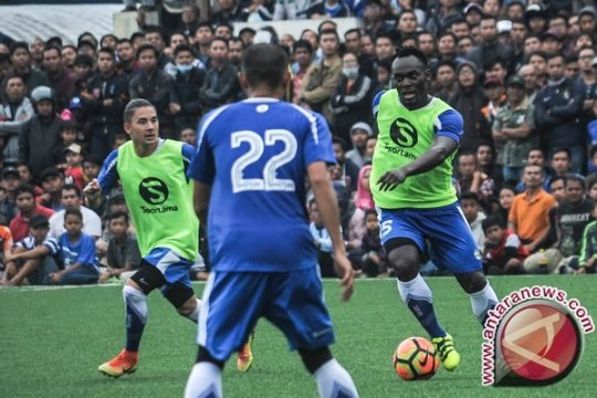 Arema Berhasil Tahan Imbang Persib 0-0