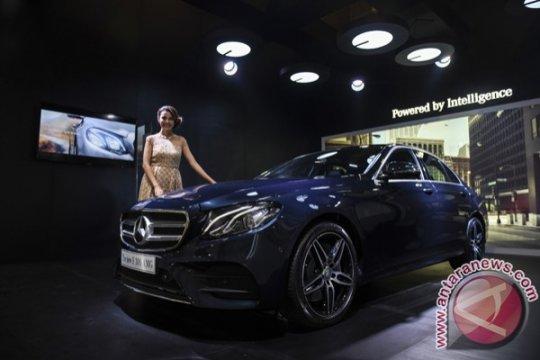 Mercedes Benz The New E 300 AMG