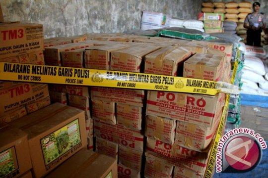 Polres Indramayu Grebek Gudang Pupuk Ilegal