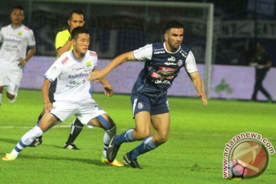Pelatih Persib tunggu keputusan komdis PSSI soal Arema