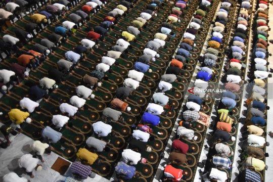 Mencari  malam Lailatul Qadr pada 10 hari terakhir Ramadhan