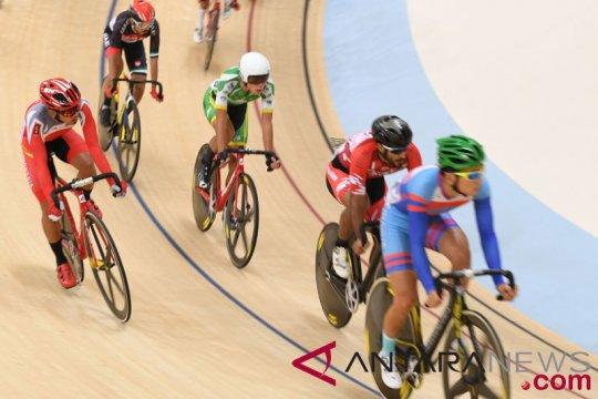 Omnium Putra Scratch Race Balap Sepeda Trek