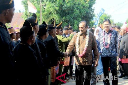 Wakil Bupati ajak lestarikan adat sedekah kampung Desa Kundi