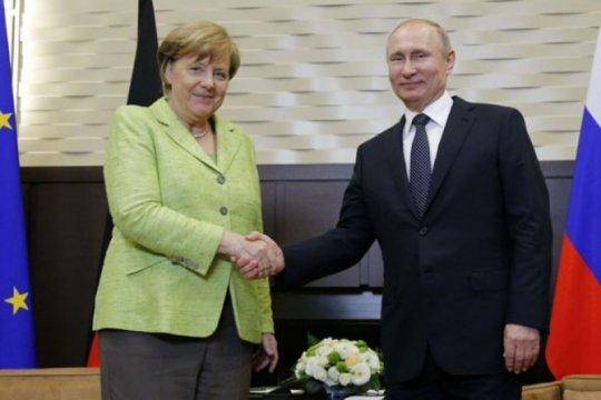 Vladimir Putin-Angela Merkel bahas isu sensitif di pinggiran Berlin