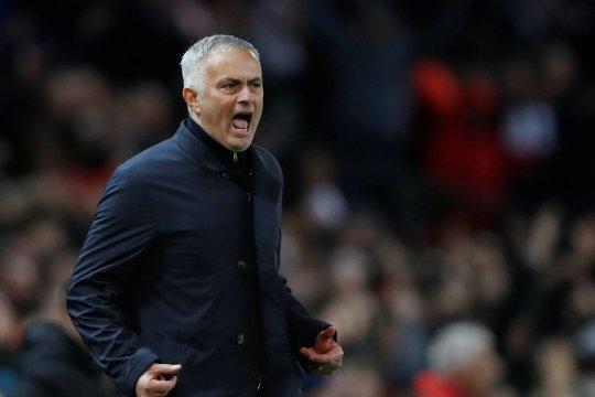 Dikritik Pogba, Mourinho: Saya tidak peduli dengan perkataannya