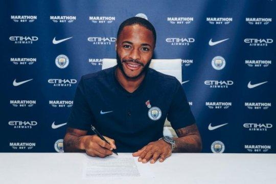 Raheem Sterling teken perpanjangan kontrak dengan City