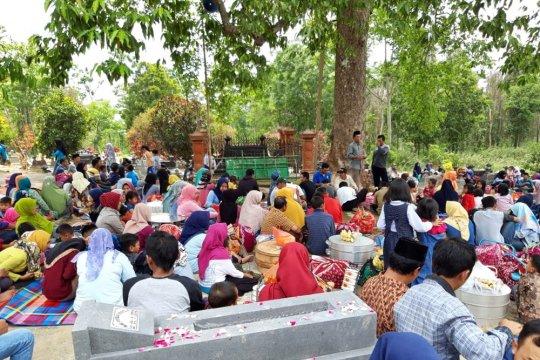 Upacara Sadranan di lereng Merapi diikuti ratusan warga