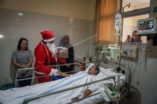 Perayaan Natal di rumah sakit Page 2 Small