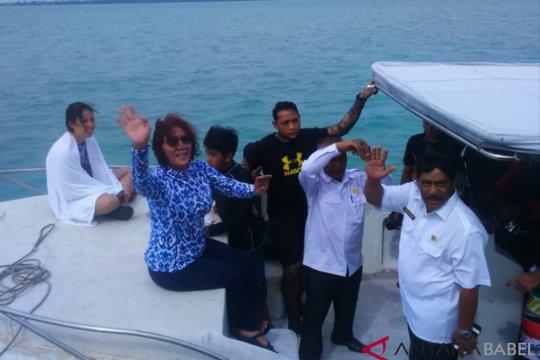 Menteri Susi Pudjiastuti liburan di Belitung