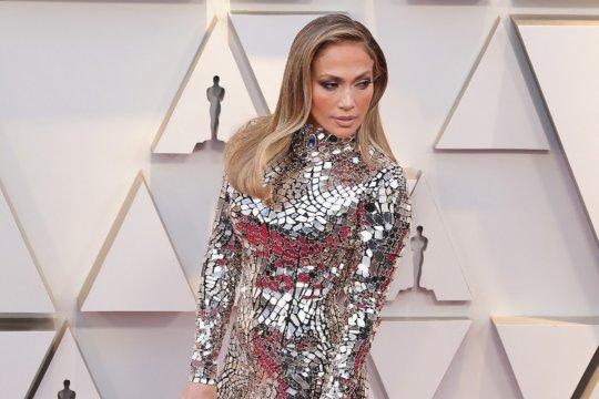 Jennifer Lopez digugat Rp555 miliar oleh penari telanjang