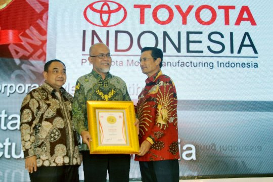 Penghargaan Korporasi Merah Putih untuk Toyota Indonesia