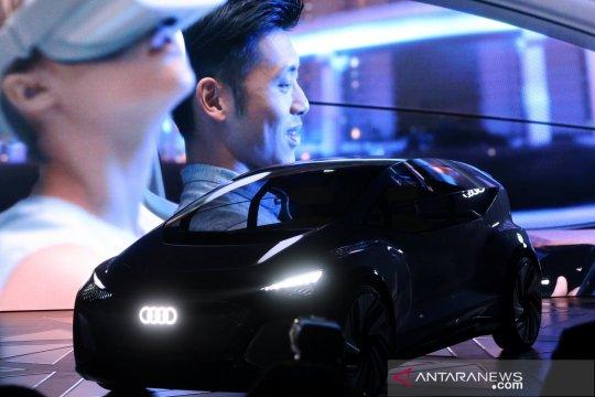 Mobil cerdas Audi AI:me diperkenalkan