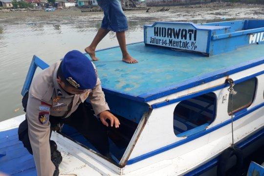 Satpolair periksa kapal penumpang di Pelabuhan Lama Muntok