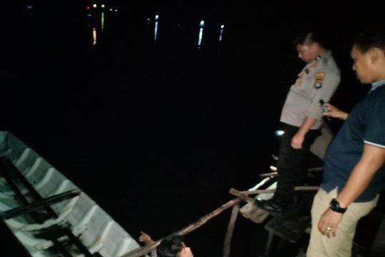 Perahu wisata di Kabupaten Belitung tenggelam