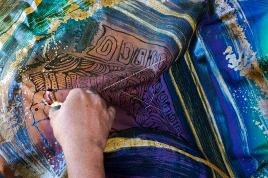 Produksi batik Page 2 Small