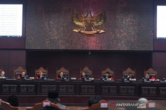 Mahkamah tolak eksepsi KPU dan Jokowi-Ma'ruf Amin