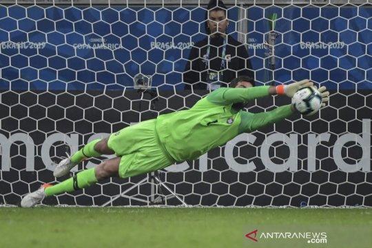 Brazil butuh adu penalti taklukkan 10 pemain Paraguay