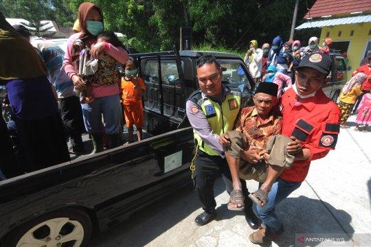 Simulasi penyelamatan warga Lereng Merapi
