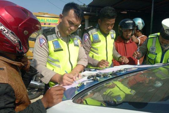 Satlantas Polres Bangka Barat terbitkan 50 bukti pelanggaran berkendara