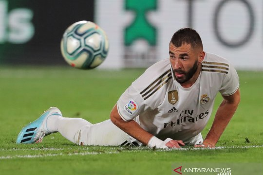 Benzema bawa Real madrid taklukkan Sevilla