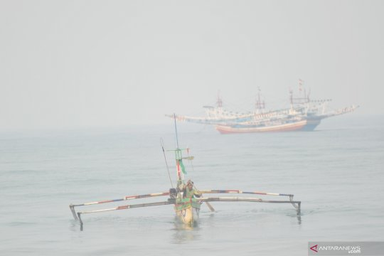 Satpolair Bangka ingatkan nelayan waspadai ancaman  asap dan gelombang tinggi