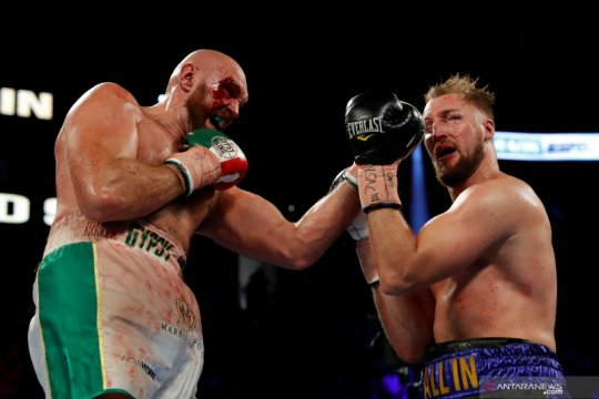Duel Tyson Fury vs Deontay Wilder terancam tertunda lagi