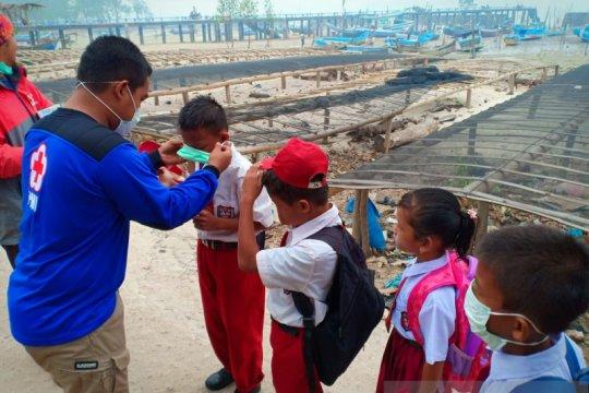 PMI Provinsi Babel bagikan ribuan masker ke sekolah di Tanjung Pura