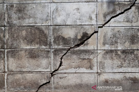 Gempa guncang Mamuju Tengah, sejumlah rumah warga rusak