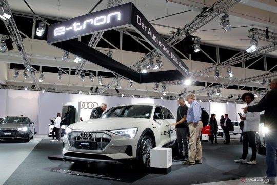 33th Auto Zuerich Car Show