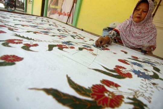 Batik tulis tegalan Page 2 Small