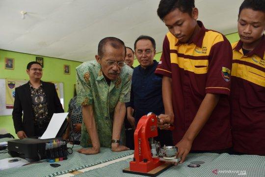Pendidikan keterampilan dari ITS dan Dinas Pendidikan