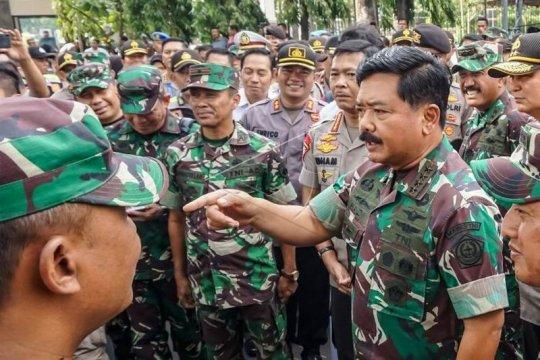 Panglima TNI dan Kapolri  tinjau pos pengamanan Natal Page 2 Small