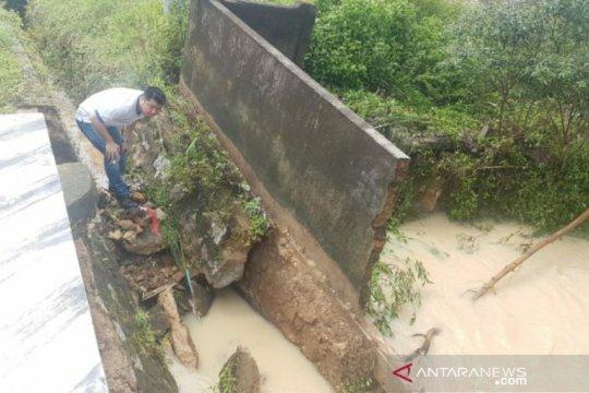 Jalan Nasional terancam putus, DPRD Bangka Selatan minta segera diperbaiki
