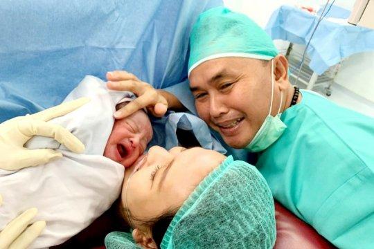 Gubernur Kalteng sambut tahun 2020 dengan kelahiran putranya Page 3 Small