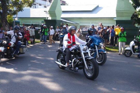 UAS kendarai Harley menuju lokasi tabligh akbar